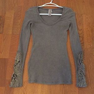 Free people vintage style shirt with lace sleeves